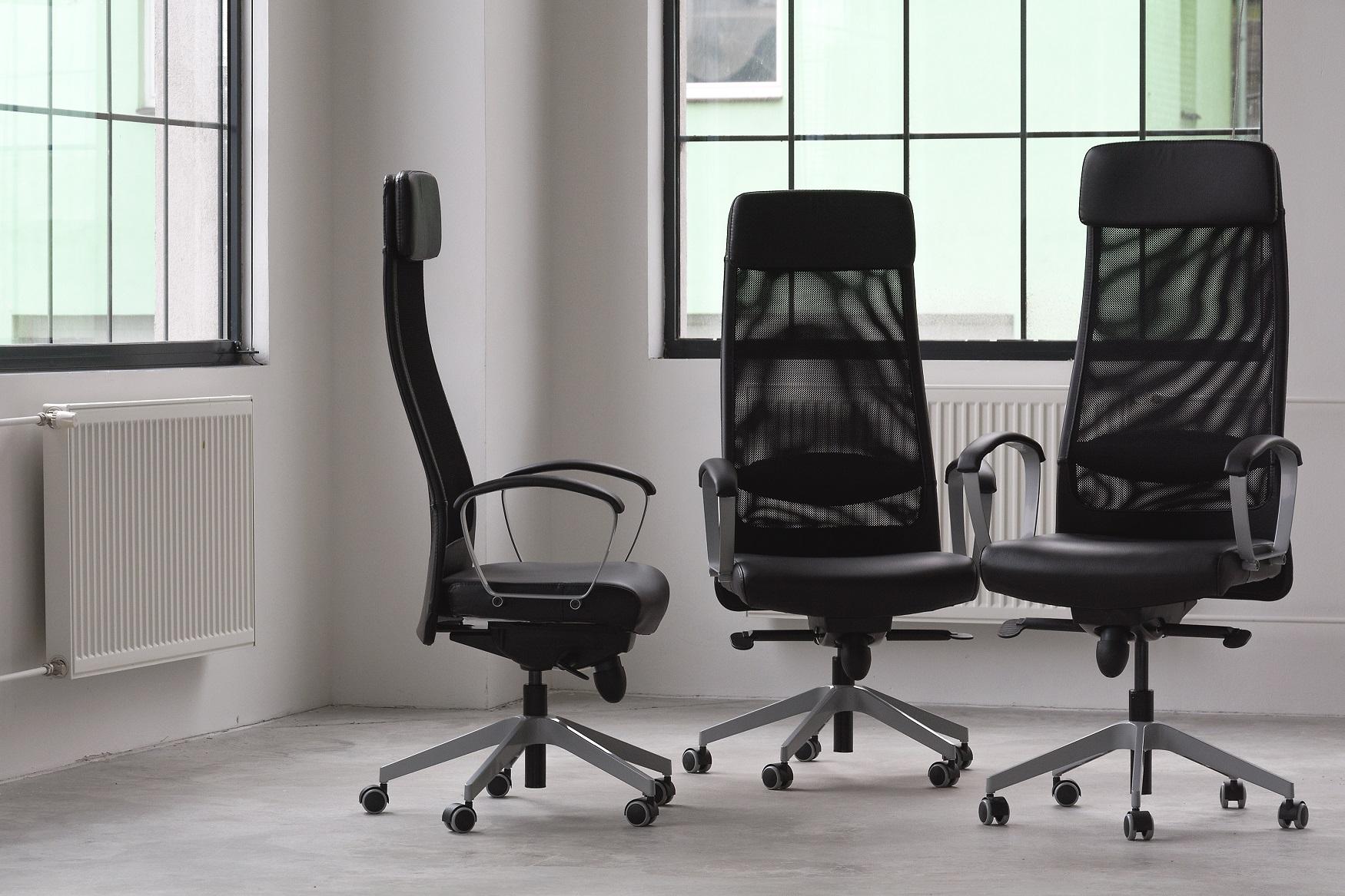 sedia da ufficio regolabile in altezza